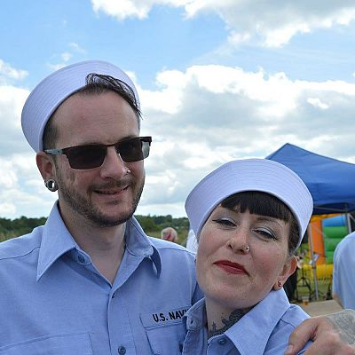 Cinque Ports Lindy Hoppers: Bodiam Senlac Classic Car show June 2015 - US Dapper Dru & Sugarfoot Sophie - Navy Sailors outfits - Photo by Melanie Stemp