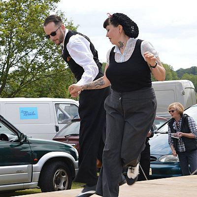 Cinque Ports Lindy Hoppers: Bodiam Senlac Classic Car show June 2015 - Freestyle Lindy Hop - Photo by Melanie Stemp