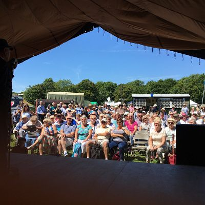 Cinque Ports Lindy Hoppers: Isle of Wight - Havenstreet 1940s Weekend - July 2017 - View of the audience from stage