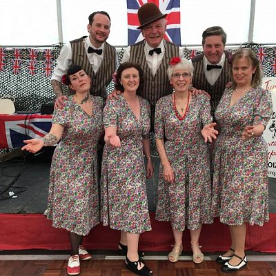 Cinque Ports Lindy Hoppers: Tenterden KESR 1940s Steam weekend May 2016 - In deckchair suits